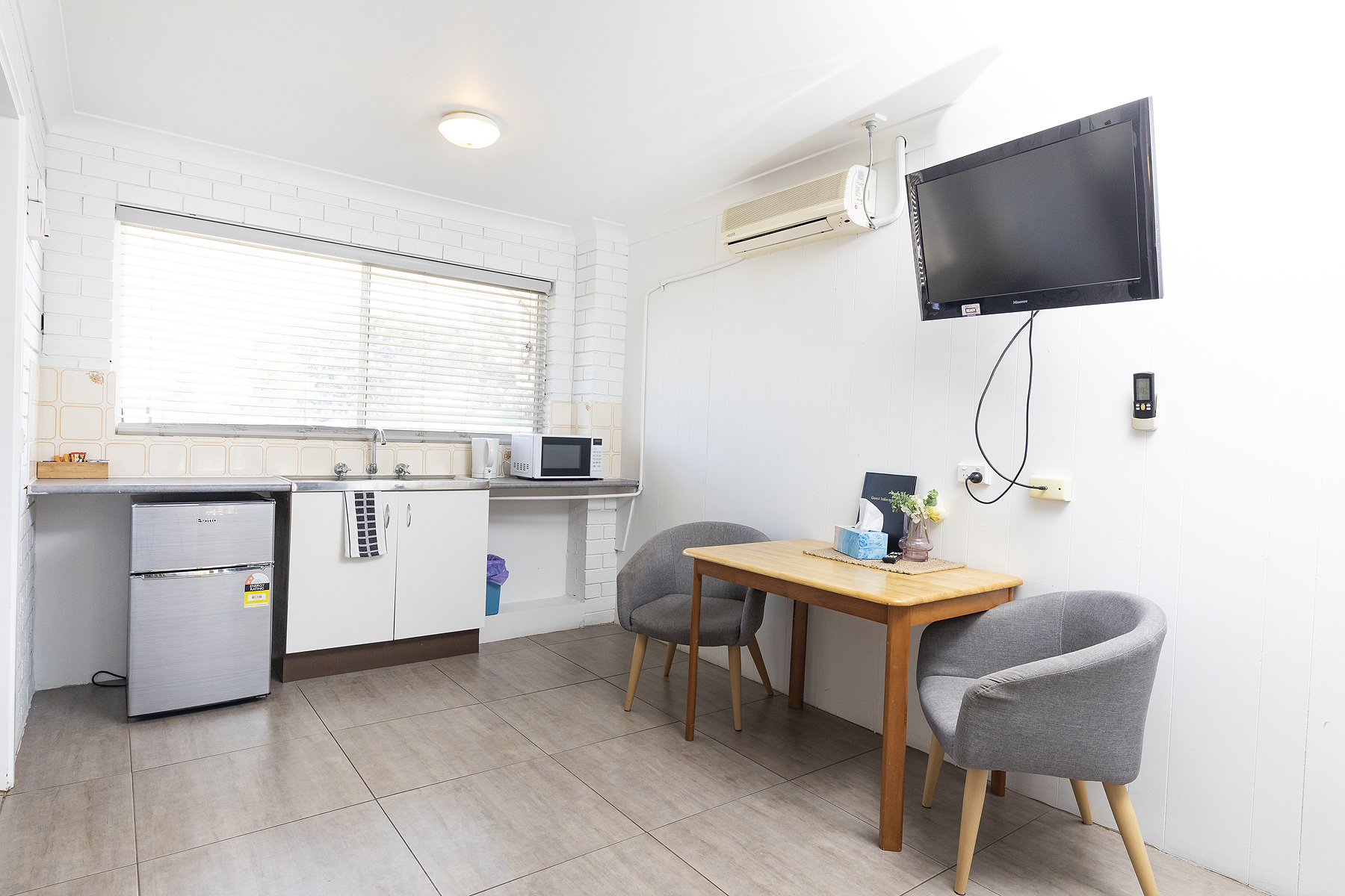 affordable rooms tuncurry